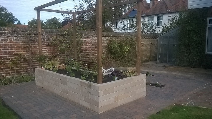 Norwich small feature design | Hall Landscaping & Design